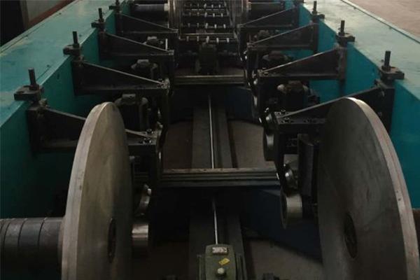 电缆桥架成型机械